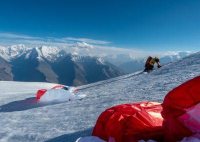Posé à 6100m sur le Karun Kuh, il faut reprendre sont souffle